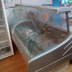 Vitrină frigorifică pentru mezeluri