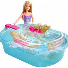 Papusa barbie cu piscina si catel intotator