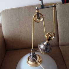 LUSTRA CU SCRIPETE COUNTRY VINTAGE LAMPA CANDELABRU BRONZ OPALINA, Lustre