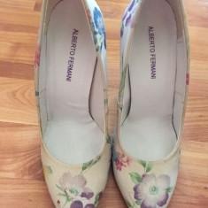 Pantofi dama - Pantof dama, Culoare: Crem, Marime: 37, Cu toc