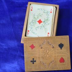 Carti de joc vechi, romanesti + Cutie de lemn speciala. De colectie! - Joc colectie