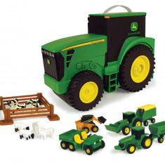 Set tractor Tomy John Deere pentru depozitare, 15 piese - Vehicul