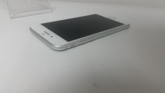 Apple iPhone 7 Silver 32GB , Neverlocked , Factura & Garantie 90 ZILE ! foto mare