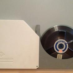 Banda Magnetofon AGFA in cutie - diametru rola 15 cm - stare Impecabila/RFG