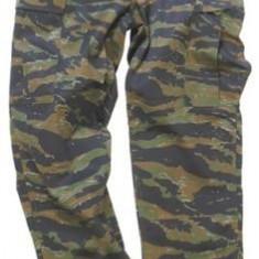 Pantaloni camuflaj tiger stripe - Pantaloni barbati, Marime: L, Culoare: Din imagine