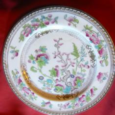 Farfurie portelan fin Anglia, ornamentata bogat, marca Royal Doulton, d= 22 cm