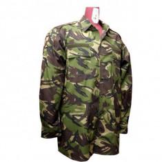 Uniforma completa camuflaj padure si rucsac militar de 90 litri - Uniforma militara, Marime: 52, Culoare: Din imagine