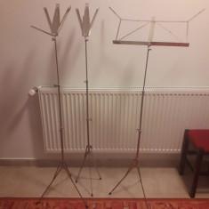 Stativ de partituri