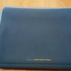 Husa Laptop Gri (folosita cu o mica pata)