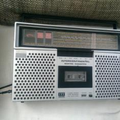Radiocasetofon vintage ITT Intercontinental, boombox, impecabil.