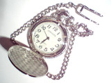 ceas de buzunar, cu baterie.