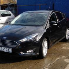 Ford focus titanium 2016 1.0 ecoboost 125 cp 5 usi, start - stop, hatchback, Benzina, 10000 km, 990 cmc