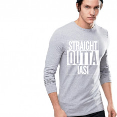 Bluza barbati gri cu text alb - Straight Outta Iasi, Marime: S, M, L, XL