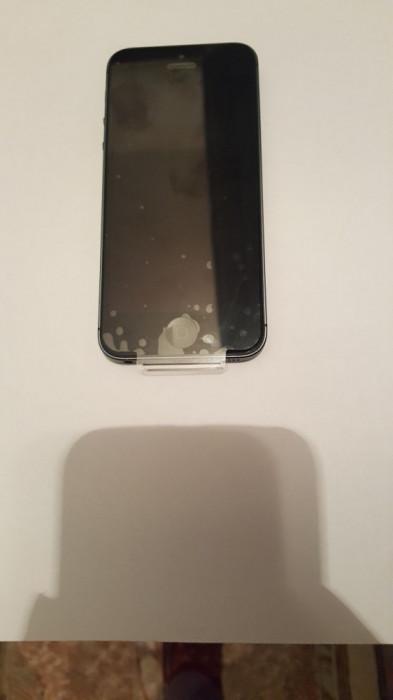 iPhone 5 16GB negru necodat / stare perfecta  BONUS FOLIE + HUSA