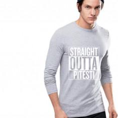 Bluza barbati gri cu text alb - Straight Outta Pitesti, Marime: S, M, L, XL