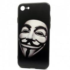Capac din plastic solid si silicon cu desen 3D Anonymous 2 pentru Apple iPhone 7
