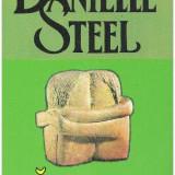 DANIELLE STEEL- Sarutul, Absolut Noua