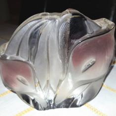 VAZA TIP SOLIFLORA MASIVA DIN STICLA, MODEL VEGETAL IN RELIEF - Vaza sticla
