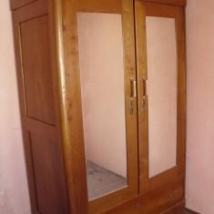 MOBILA FOARTE VECHE -Dulapuri