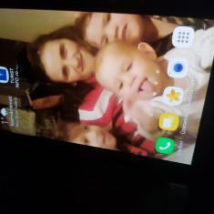 Samsung Galaxi S7 negru si gold - Telefon Samsung, Argintiu, 32GB, Neblocat, Single SIM