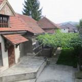 Imobil multifunctional, zona Piata Obor - Bd. Decebal, Hunedoara - Casa de vanzare, 385 mp, Numar camere: 10, Suprafata teren: 420