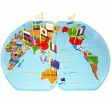 Harta lumii din lemn cu stegulete