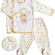 Costum bebe 3 piese cu iepuras galben COD HB89, Marime: 1-3 luni