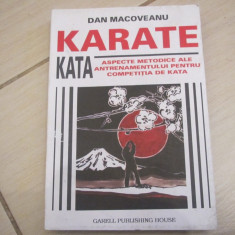 KARATE KATA DAN MACOVEANU - Carte sport