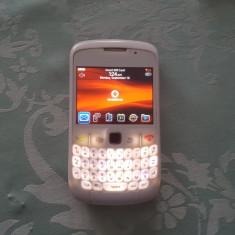 Smartphone BlackBerry Curve 8520 Negru si Alb. Liber. Livrare gratuita! - Telefon mobil Blackberry 8520, Neblocat