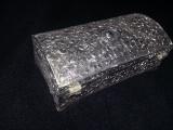 Caseta bijuterii argintata,caseta de bijuterii  vintage superbea,impecabila,T.G.