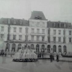 Fotografie RPR defilare Iasi,  Statuia lui Cuza, Hotelul Traian