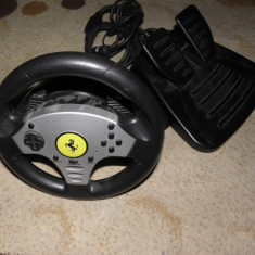 Volan cu pedale Thrustmaster Ferrari PS2/PS3//PC/WII/GameCube 5-in-1