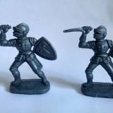 Lot 2 figurine plastic gri, cavaler, 5cm, colectie, decor, diorama