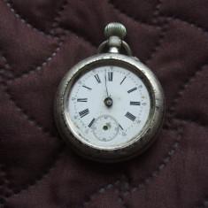 Ceas argint Remontoir 10 rubis, scena vanatoare, caine cu iepure - Ceas de buzunar vechi
