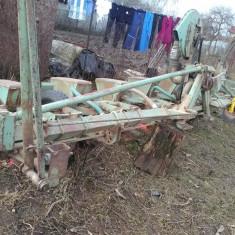 Semanatoare de porumb - Utilaj agricol