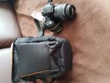 Vând aparat foto DSLR Nikon D3300 + Obiectiv 18-55mm + Geanta cameră foto