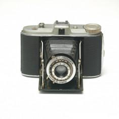 Agfa Isolette- aparat foto cu burduf