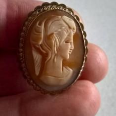 Brosa, medalion camee