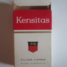 Pachet gol colectie 10 tigari Kensitas fabricate in Anglia anii 50 - Pachet tigari