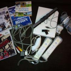 Consola WII cu 2 telecomenzi si jocuri, mega reducere - Nintendo Wii