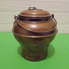 Interesanta URNA din CUPRU / VAS CUPRU cu capac si toarta - Metal/Fonta, Vase