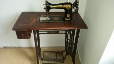 masina de cusut Singer vintage foto