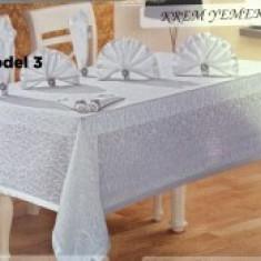 Set complet fata de masa 12 persoane