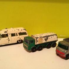 Lot 3 masinute Matchbox: Ambulanta, Leyland Petrol Tanker, Scaffolding truck - Vehicul