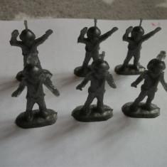 Figurine plastic romanesti Astronauti ! - Colectii