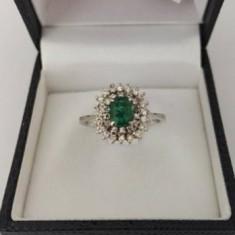 Inel din aur 18k cu smarald si diamante - Inel aur, Culoare: Alb