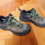 Adidasi Salomon Gore-Tex Contagrip; marime 39 1/3 (25 cm talpic); impecabili