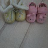 Doua perechi incaltaminte plusata pentru fetite marimea 19/20 6/12 luni - Botosi copii, Culoare: Din imagine