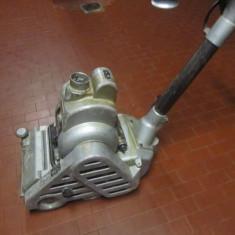 Masina de raschetat - Slefuitor