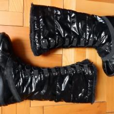 Cizme negre lucioase, interior captusit gros; marime 39 (26.5 cm talpic); ca noi - Cizma dama, Culoare: Din imagine
